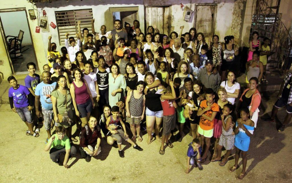 Trinidad'da bir sokak buluşmasından kalanlar